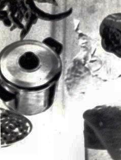 Natura morta con pentola- collage su compensato 1975.JPG