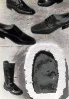 Scarpe con suola bucata- collage su compensato 1975.JPG