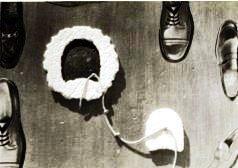 Scarpe con tacco- collage su compensato 1975.JPG